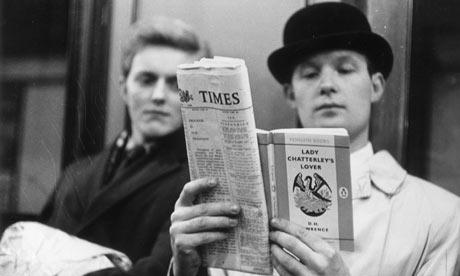 reading-over-shoulder
